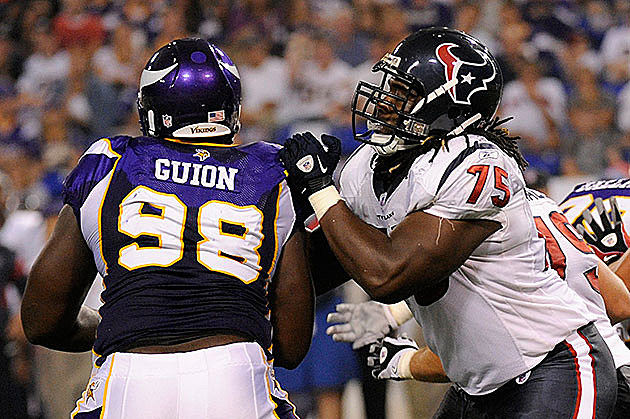 Letroy Guion #98 of the Minnesota Vikings