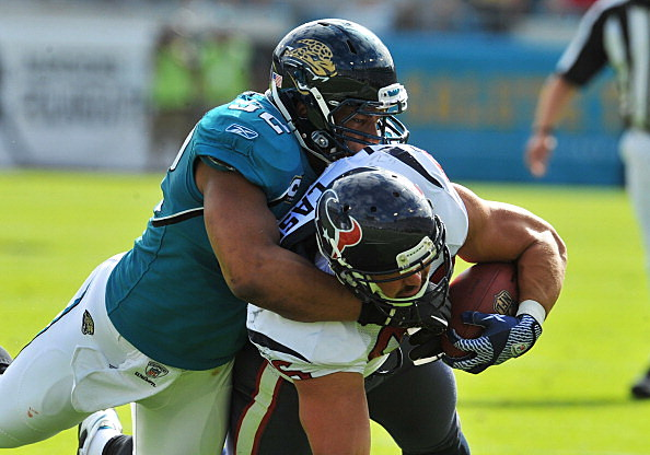 Linebacker Daryl Smith #52 of the Jacksonville Jaguars