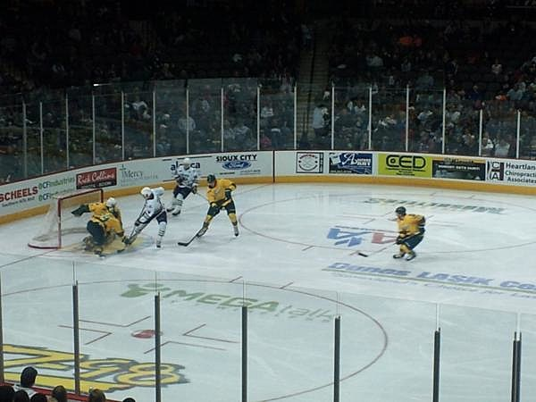 Sioux Falls Stampede vs Sioux City Musketeers, 10-05-2013