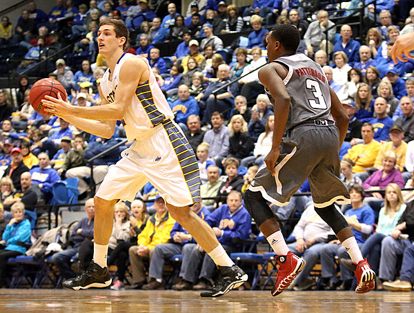 Omaha at South Dakota State University Men's Basketball