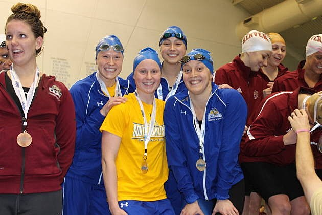 South Dakota State Jackrabbits 800 freestyle relay team