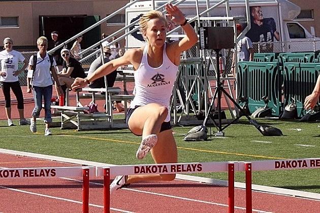 Kayla Mescher, Augustana Vikings track and field